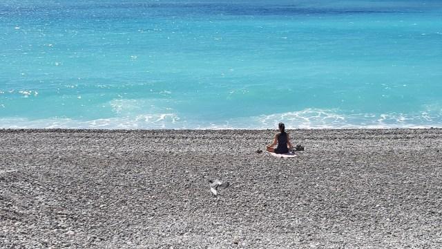 Nice - plage depuis la promenade des anglais