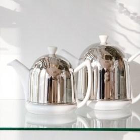 何かと忙しい今の季節、ほっとひと息つけるティータイムにおすすめのBREDEMEIJERの ティーポット&コゼー。保温効果のおかげで長く温かいお茶を楽しめるので、ゆっくり過ごす時間にぴったりなのです。 ☆ BREDEMEIJER ティーポット&コゼー http://goo.gl/vU47LX クリスマスまであと3日...