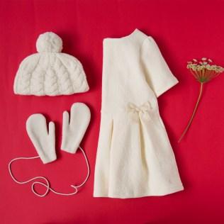 クリスマスのおでかけに、オールホワイトのコーディネートはいかが。 聖なる夜にぴったりの、やさしい気持ちになれそう。 ◇ホワイトアイテム https://goo.gl/AyVIfA クリスマスまであと18日...