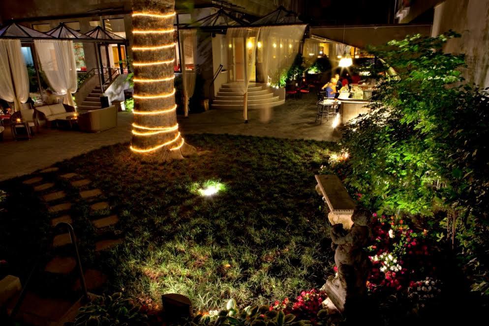 Hotel manin a milano garden aperto e corso di cucina for Layout di patio all aperto
