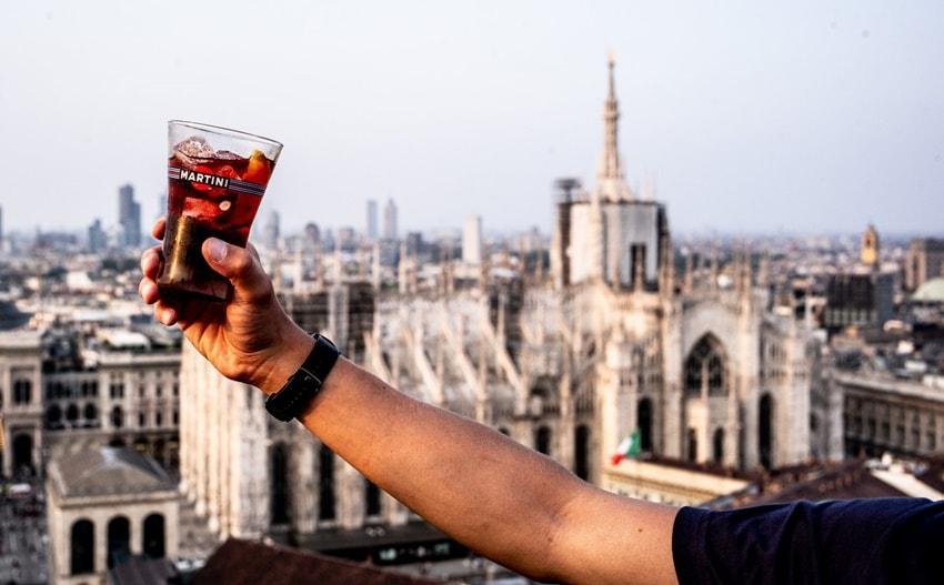 Piccoli momenti di felicità a Milano: bere un aperitivo sulla Terrazza Martini