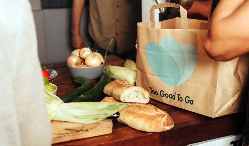 Un'App contro lo spreco alimentare: debutta in Italia Too Good To Go