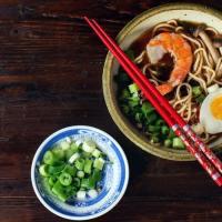 Brodo orientale: ricetta veloce e molto facile per ramen e soba