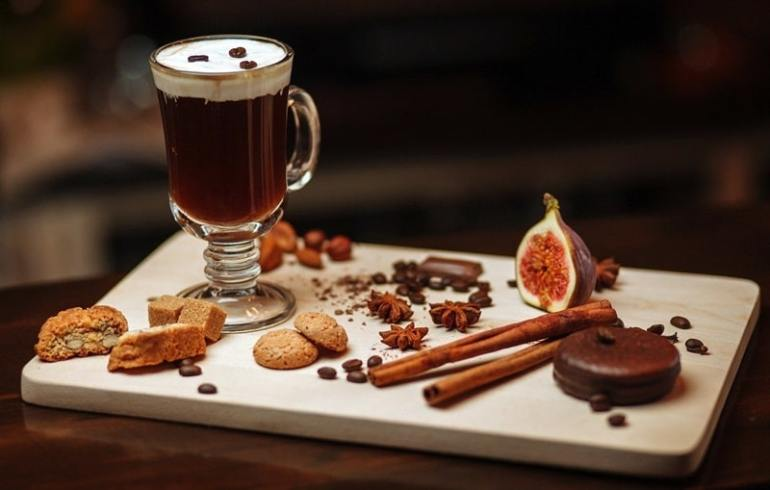 irish-coffee-ricetta-preparazione