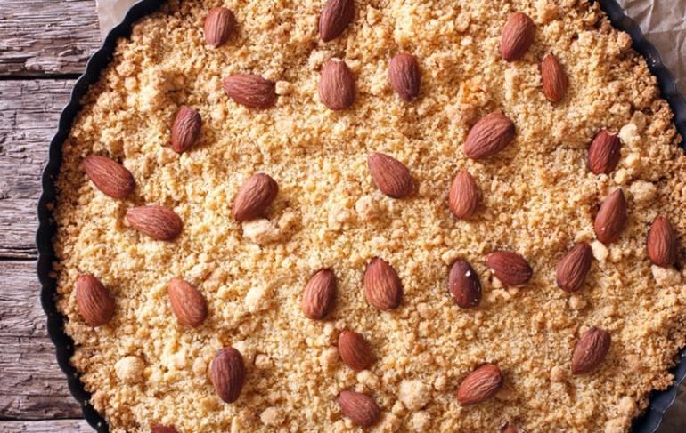 dolci tipici lombardi torta sbrisolona Mantova