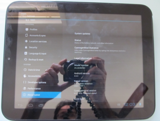 HP TouchPad with CyanogenMod 9 Alpha 1
