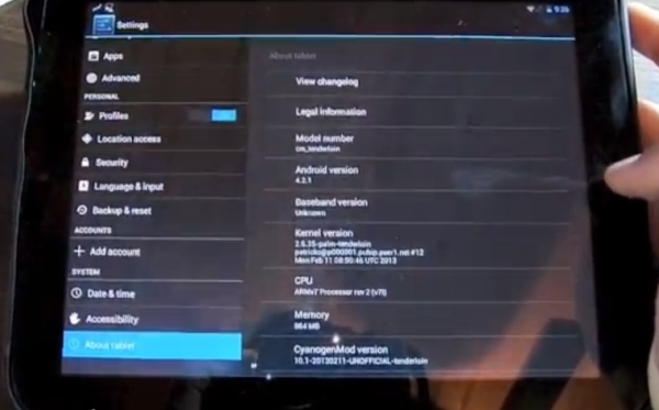 HP TouchPad with CyangoenMod 10.1