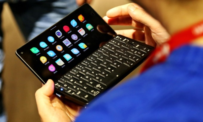 Gemini PDA now officially supports Sailfish OS - Liliputing