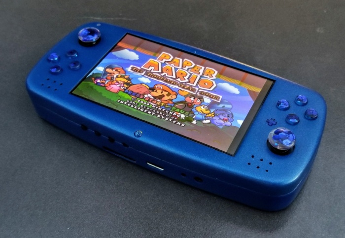 Louii is a DIY handheld game console made from a Nintendo Wii