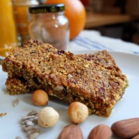 Yummy spiced fruit, nut and seed porridge bars recipe - with a colouring page!