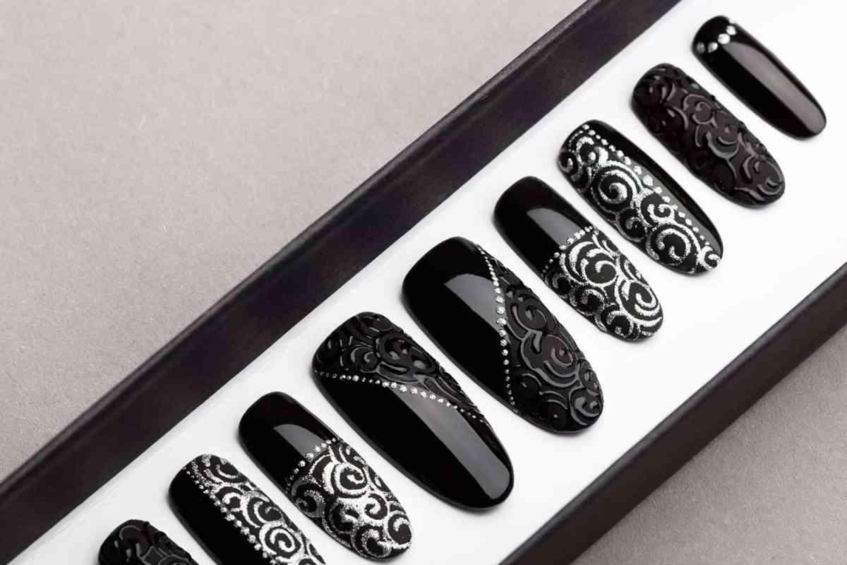 Black Laces Press on Nails | Hand painted Nail Art | Fake Nails | False Nails | Glue On Nails | Tracery Nails | Acrylic Nails | Gel Nails