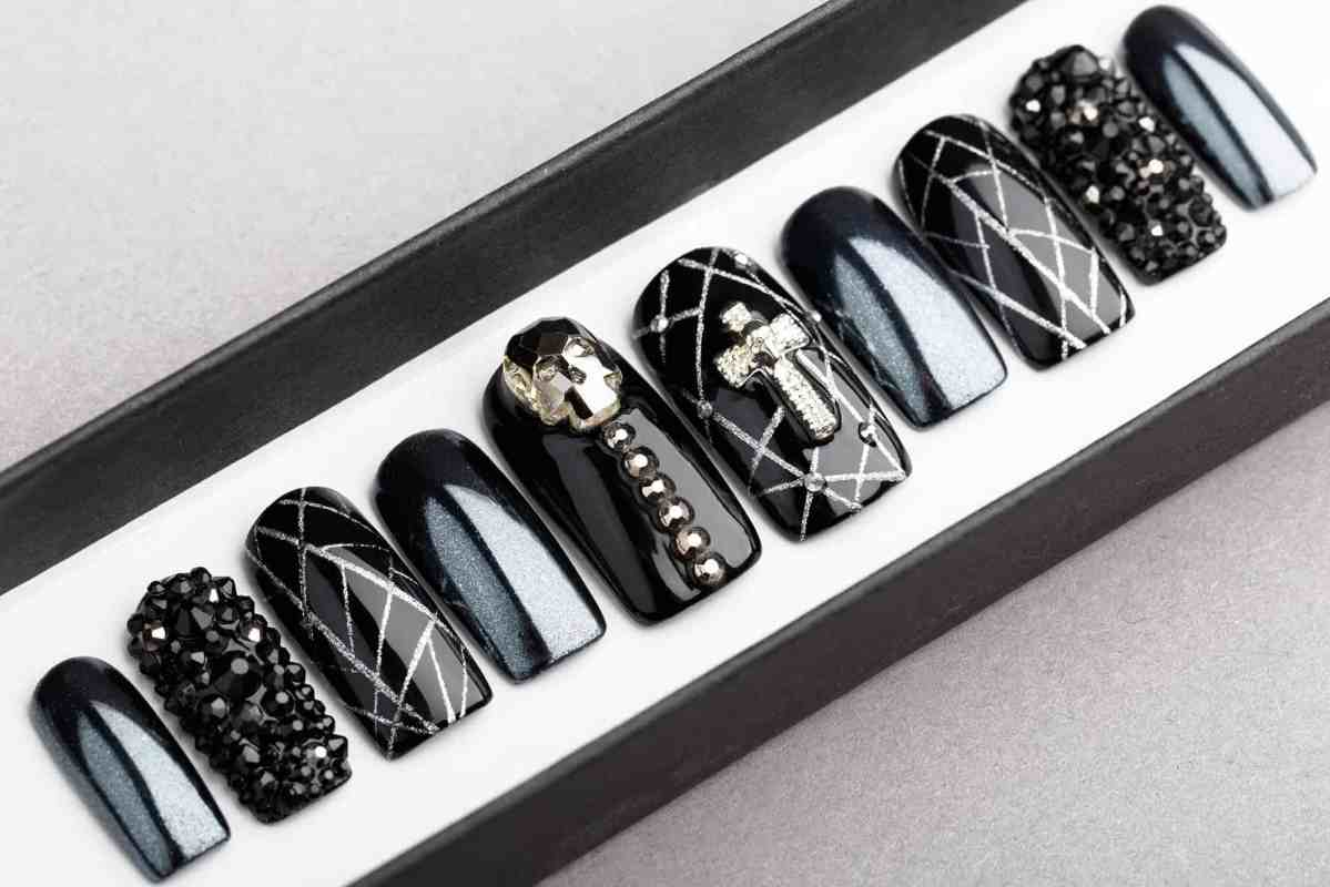 Cross and Skull Press on Nails with Swarovski crystals | Crucifixion | Fake Nails | False Nails | Glue On Nails