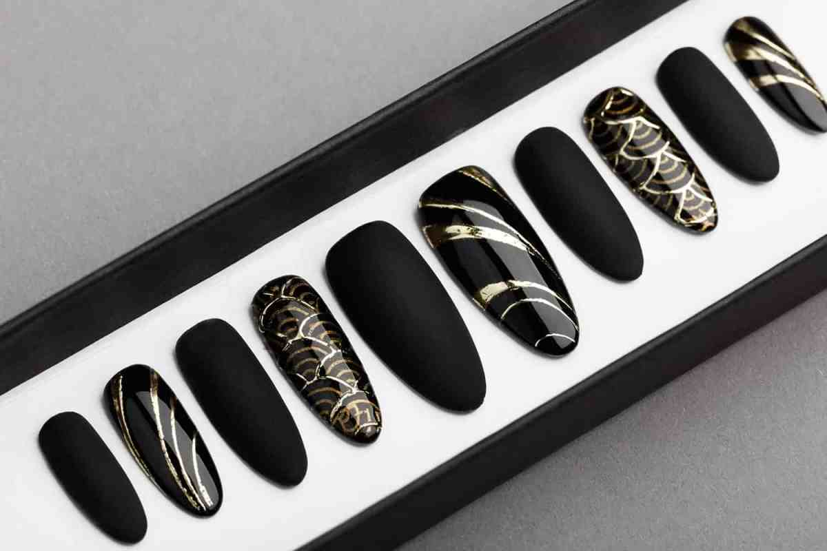 Black & Gold Abstraction Press on Nails | Black Pattern | Hand painted Nail Art | Fake Nails | False Nails