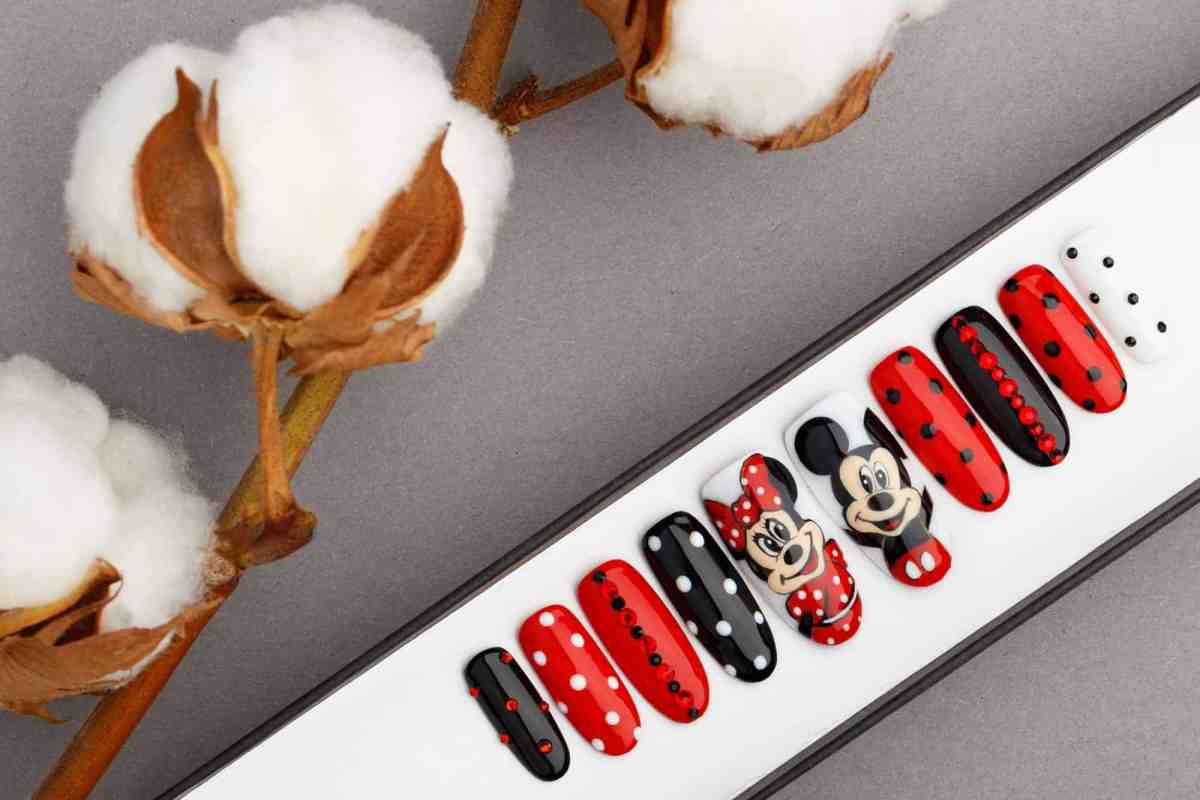 Mickey and Minnie Mouse Inspired Press on Nails with Swarovski Crystals | Fake Nails | False Nails | Glue On Nails | Disney | Hand painted