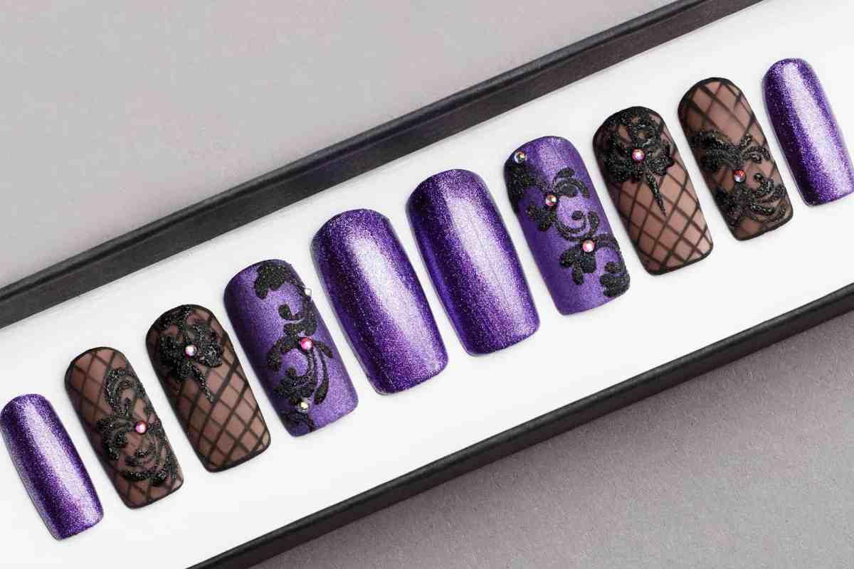 Violet Glitter Press on Nails with Swarovski Crystals   Black Pattern   Hand painted Nail Art   Fake Nails   False Nails