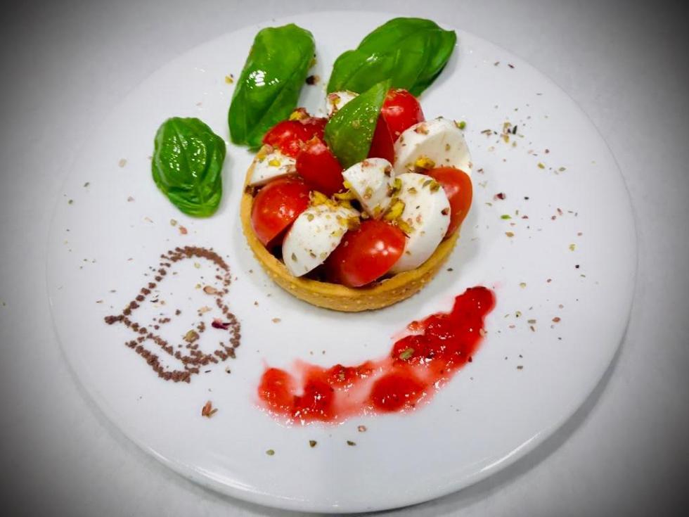 Piccole combinazioni di pasticceria Salata con consegna in ufficio o a casa ... O per tutte le tue occasioni che vuoi festeggiare