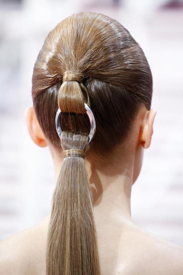 dior-ponytail-closeup