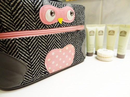 What's in My Beauty Bag (Short Trip)