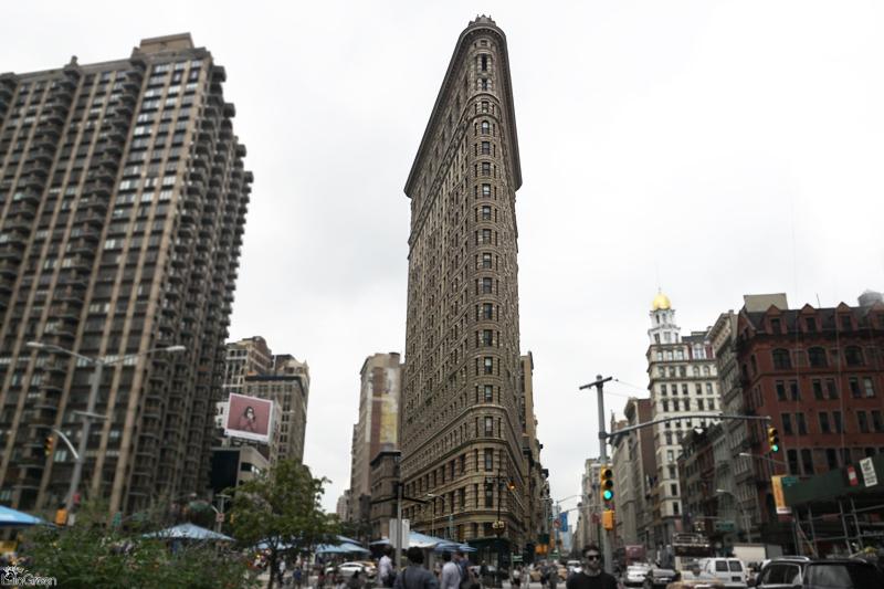 5th Avenue, Flat Iron Building