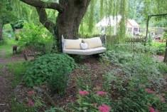 Le jardin de la goutte d'eau - alcôve sous l'arbre