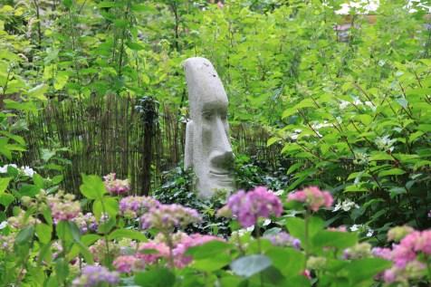Le jardin de la goutte d'eau - tête de l'île de Pâques