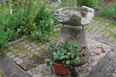 Jardin de la goutte d'eau - ancien benitier