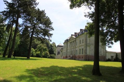 Chateau de Barly - cote droit