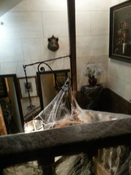 horror story - escaliers