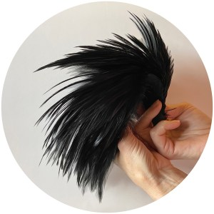 Streamer Rooster Neck – Black