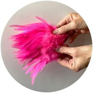 Strung Rooster Saddles Long – Fl. Pink