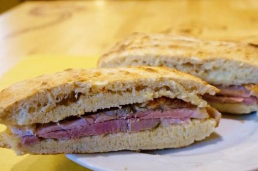 【義大利Orvieto美食】排隊美食L'Oste del Re Orvieto豬肉帕尼尼三明治!