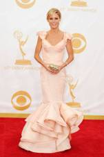 Julie Bowen, star of Modern Family, looked flawless in this gown from Zac Posen. The dusty rose compliments her skin and hair perfectly.