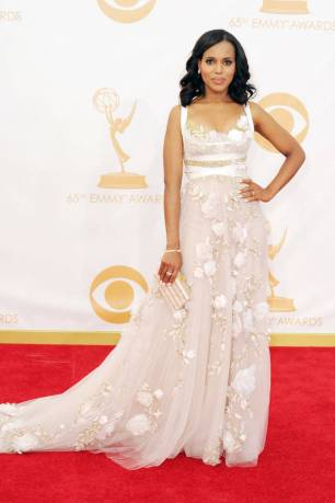 Kerry Washinton, star of Scandal glows in Marchesa. Love the intricate detailing.
