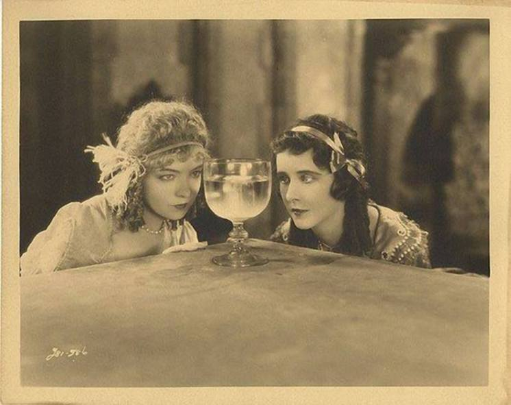 Annie Laurie 1927 - Lillian Gish and Patricia Avery