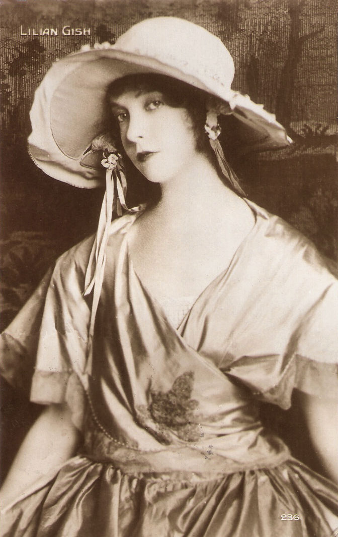 French postcard by Cinémagazine-Edition, Paris, no. 236.