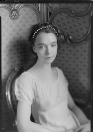 Nell Dorr (1893-1988); [Portrait of Lillian Gish with beads in hair and seated view 2]; nitrate negative; Amon Carter Museum of American Art; Fort Worth TX; P1990.47.3505