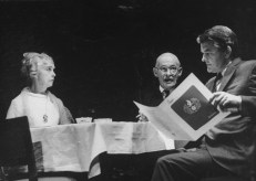 "(L-R) Lillian Gish, Alan Webb and Hal Holbrook in a scene from the Broadway production of the play ""I Never Sang For My Father""."