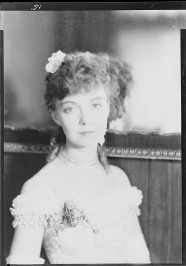 Laura Gilpin (1891-1979); Lillian Gish, Central City; 1932; nitrate negative; Amon Carter Museum of American Art; Fort Worth TX; P1979.240.7