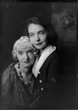 Nell Dorr (1893-1988); [Portrait of Lillian Gish and Mother]; nitrate negative; Amon Carter Museum of American Art; Fort Worth TX; P1990.47.3499