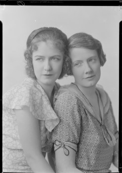 Nell Dorr (1893-1988); [Portrait of two women view 1]; nitrate negative; Amon Carter Museum of American Art; Fort Worth TX; P1990.47.3483