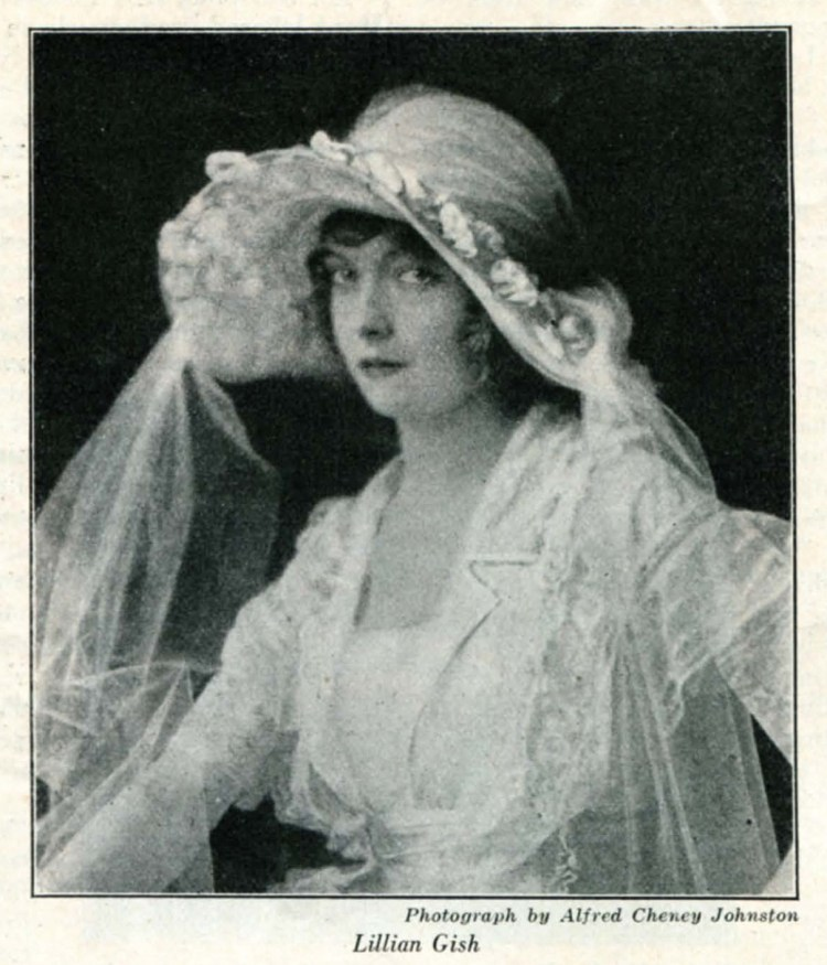 Lillian Gish by Alfred Cheney Johnston - Filmplay July 1922