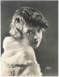 Lillian Gish photo by Witzel L.A. - 1920