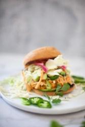 Try this easy and macro friendly buffalo chicken sandwich. www.lillieeatsandtells.com