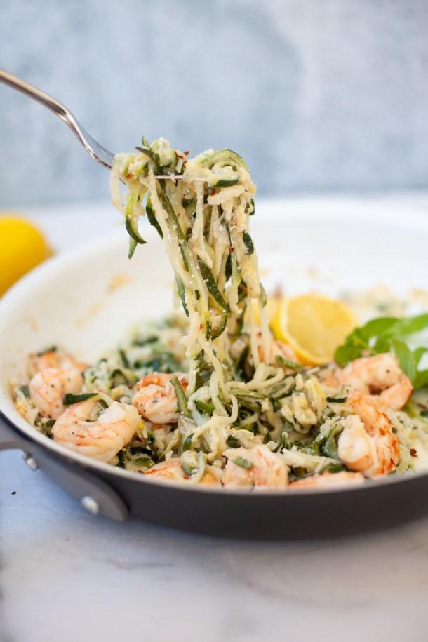 This Lemon Ricotta Shrimp recipe is macro-friendly with its zoodles! www.lillieeatsandtells.com