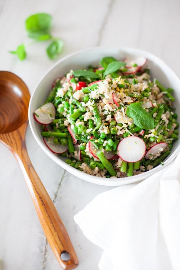 Try my macro-friendly grain salad. www.lillieeatsandtells.com
