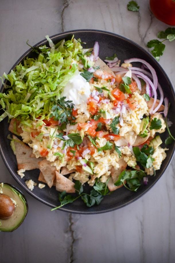 macro-friendly, egg whites, breakfast nachos. www.lillieeatsandtells.com