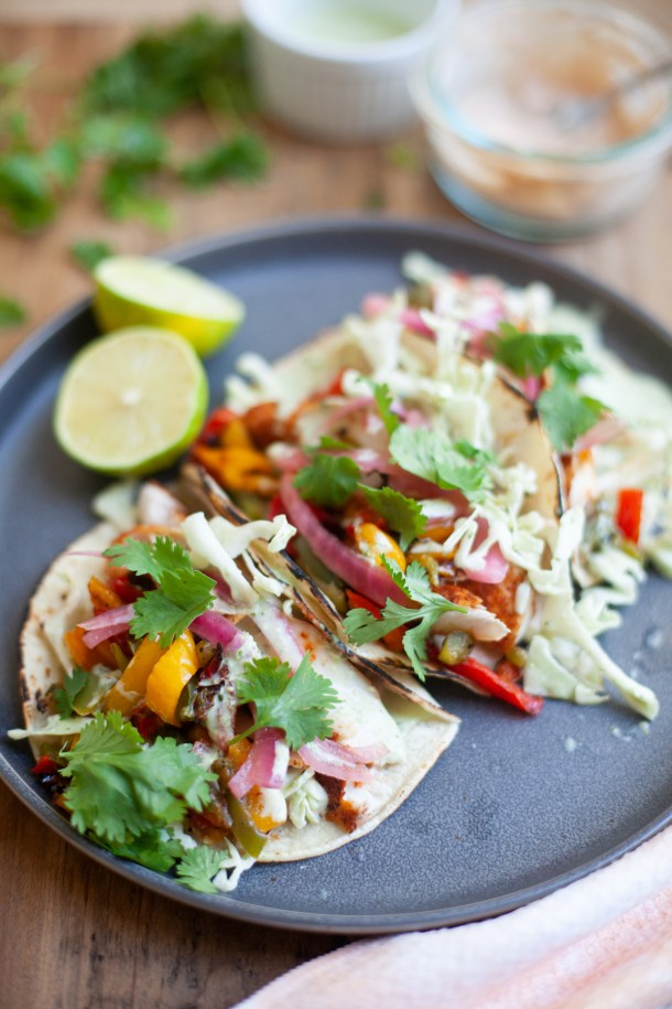 easy and macro friendly air fried fish tacos by www.lillieeatsandtells.com