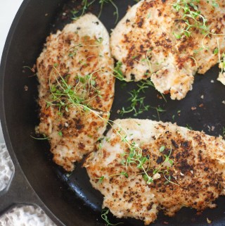 Crispy Garlic and Thyme Chicken recipe by www.lillieeatsandtells.com