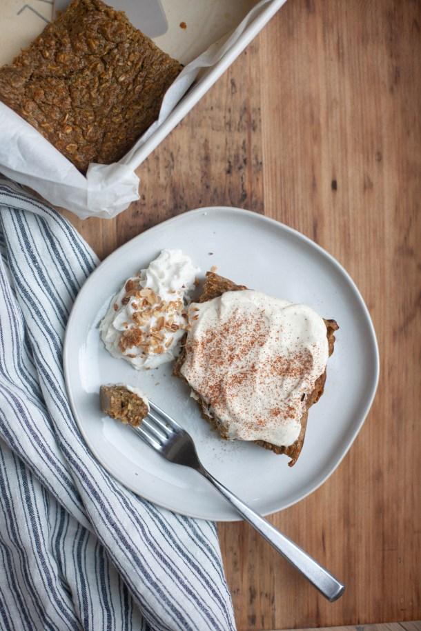 Pumpkin Pie Baked Protein Oat Bars by www.lillieeatsandtells.com