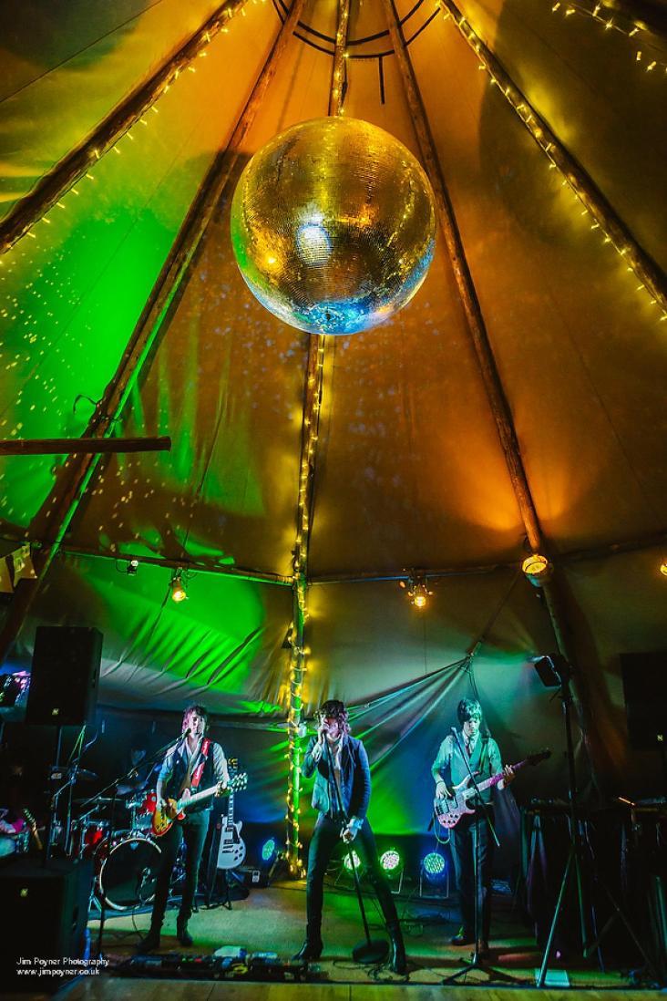 the-alarms-bradford-wedding-band